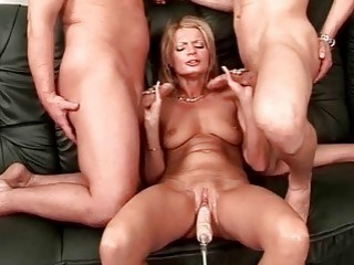 Girl gets fucked by sex machine
