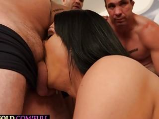 Tranny Caroline Martins loves a gangbang with a group of horny guys