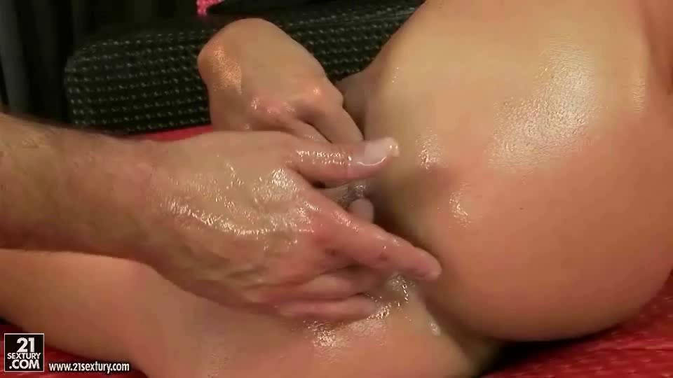 She Squirts All Over The Dick