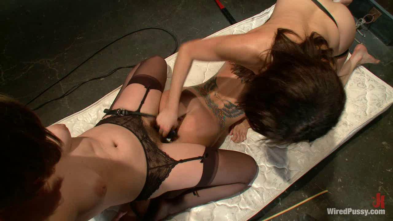 Lesbian Bondage Sex Machine